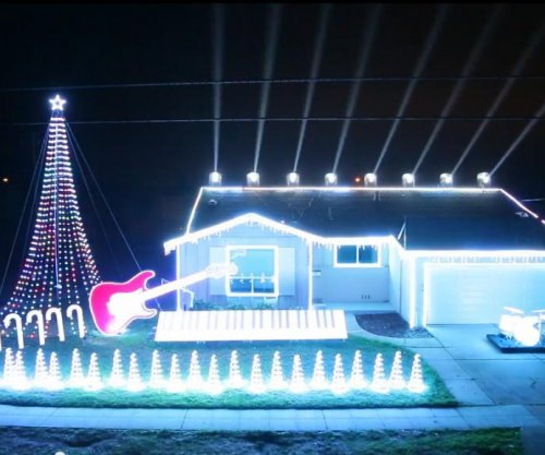 'Star Wars' Christmas light show goes viral