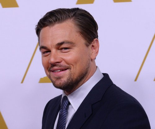 Leonardo DiCaprio spotted kissing model Kelly Rohrbach