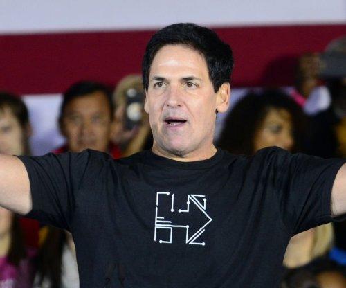 Dallas Mavericks owner Mark Cuban revokes two reporters' credentials