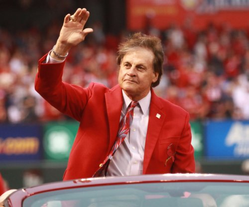 Boston Red Sox hire Tony La Russa to front-office position