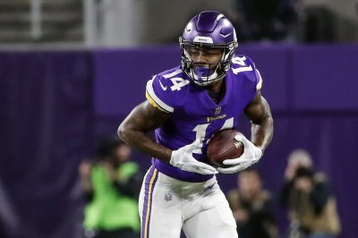 Vikings' Diggs, Rhodes benched for 'undisciplined stuff'
