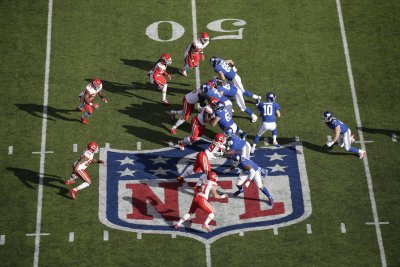 New York Giants' Ereck Flowers faces music after opening struggles