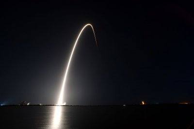 SpaceX successfully launches 60 more Starlink satellites into space
