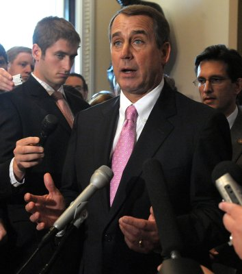 Boehner keeps House GOP leadership post