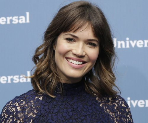 Mandy Moore says Milo Ventimiglia broke news of her Golden Globes nod
