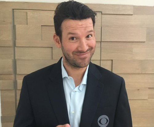 Tony Romo: CBS broadcaster predicts future plays, tells Bill Belichick secrets