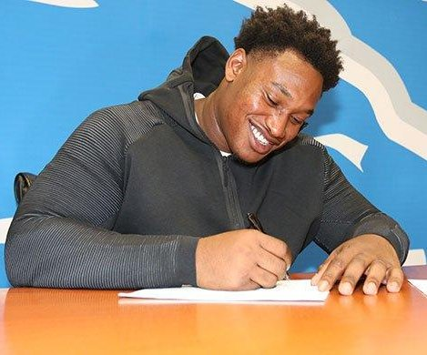 Detroit Lions trade DT Akeem Spence to Miami Dolphins