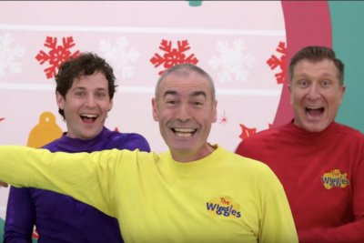 Wiggles singer Greg Page suffers cardiac arrest at concert