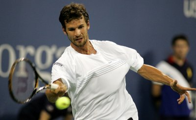 Two Germans make Gerry Weber semifinals