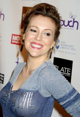 Alyssa Milano says she's having a girl