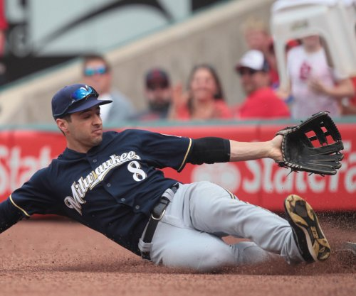 Ryan Braun powers Milwaukee Brewers past Philadelphia Phillies