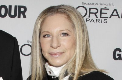 Barbra Streisand announces duets album, new tour