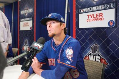 New York Yankees acquire reliever Tyler Clippard from Arizona Diamondbacks