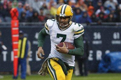 Green Bay Packers QB Brett Hundley breaks longtime passing record