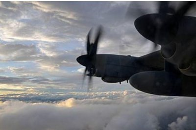 Hurricane hunters fly into dangerous hurricanes in the name of science