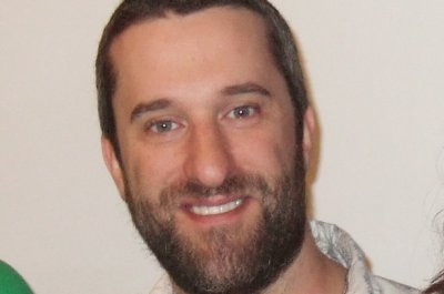 Dustin Diamond begins chemotherapy after cancer diagnosis