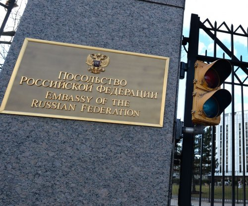 Senators propose bill to give Congress veto power over Russia sanctions