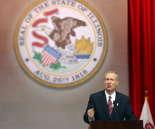 After powder scare, Illinois overrides governor for first budget in 2 years