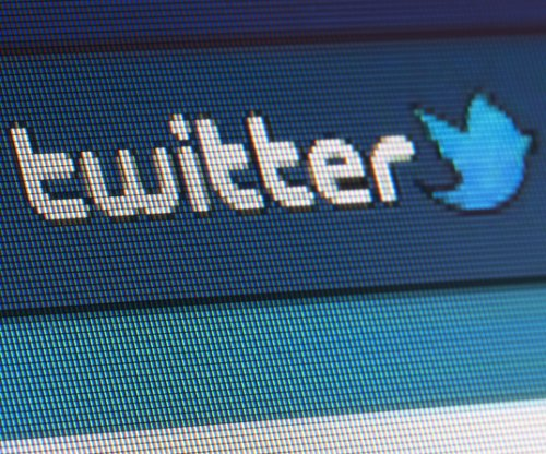 Twitter loses users in U.S. as revenue declines