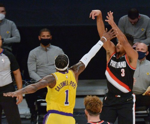 Blazers guard C.J. McCollum breaks foot, out at least four weeks
