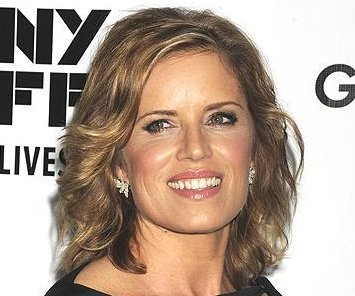 Kim Dickens to lead 'The Walking Dead' companion series