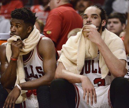 Chicago Bulls C Joakim Noah suffers dislocated shoulder