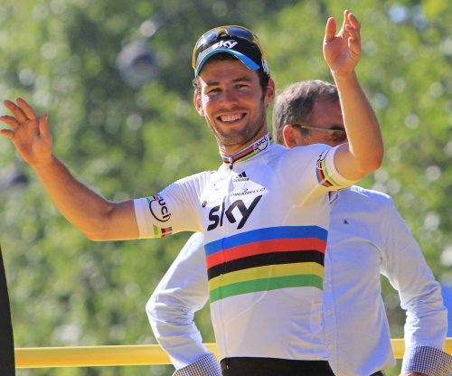 Tour de France: Mark Cavendish edges Marcel Kittle to win sixth stage