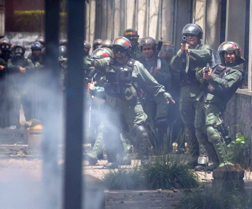 Venezuela deploying 2,600 troops to Táchira state amid protests
