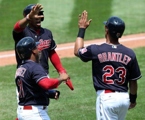 Jose Ramirez, Carlos Santana help Cleveland Indians beat Chicago White Sox