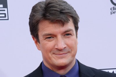 Nathan Fillion and co-stars say they are up for a 'Firefly' revival