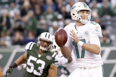 Peyton Manning helped tutor Miami Dolphins' Ryan Tannehill