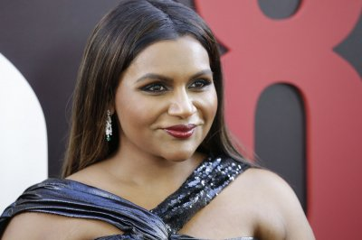 Mindy Kaling to write and produce for Warner Bros. Television Group