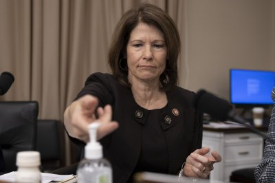 Rep. Cheri Bustos to retire from Congress