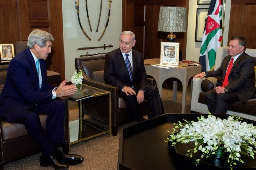 Kerry holds trilateral meeting with Jordan and Israel leaders over Jerusalem tensions