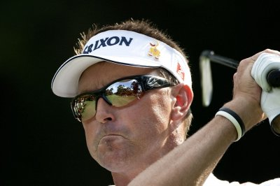 Robert Allenby fires caddie Mick Middlemo midround at Canadian Open