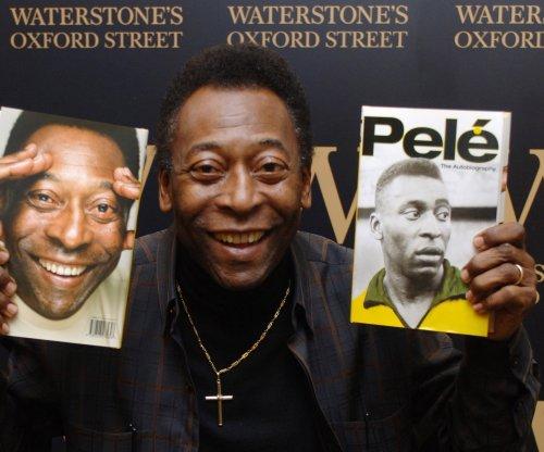 Pele prefers Lionel Messi to Cristiano Ronaldo