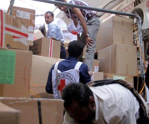 Agencies deliver supplies to Yemeni city for first time in months