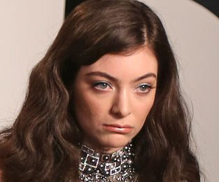 Lorde live-tweets Uber ride after going unrecognized