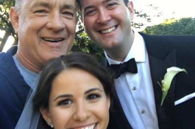 Tom Hanks photobombs a wedding, photos go viral