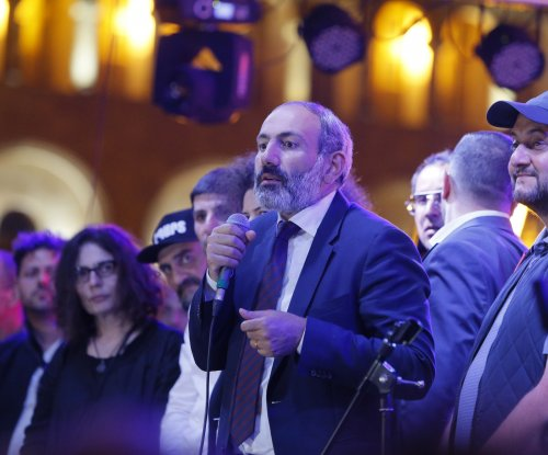 Armenian opposition leader calls for general strike after failed PM bid