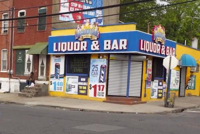 At least 10 injured in shooting outside New Jersey bar