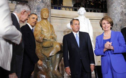 Boehner, Pelosi trade barbs as House passes tax cuts