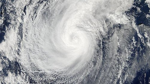 Former Super Typhoon Nuri takes aim for Alaskan islands