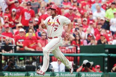 St. Louis Cardinals defeat Cincinnati Reds