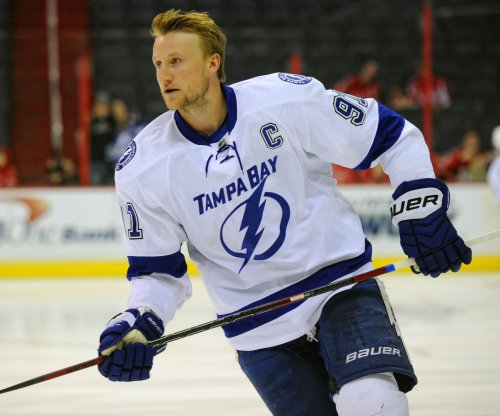 Tampa Bay Lighting light up Montreal Canadians