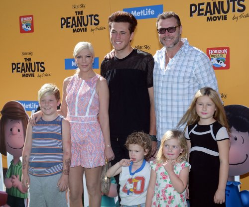 Tori Spelling brings her kids to 'The Peanuts Movie' premiere