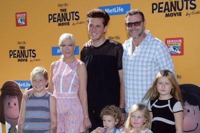 Tori Spelling brings her kids to 'The Peanuts Movie' premiere