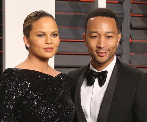 John Legend defends Chrissy Teigen from mom-shamers
