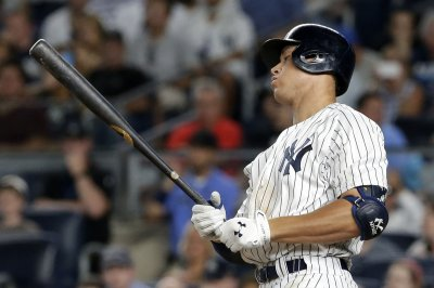 Aaron Judge breaks rookie HR record as New York Yankees rout Kansas City Royals