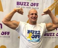 Patriots' Rob Gronkowski shaves head in support of cancer patients